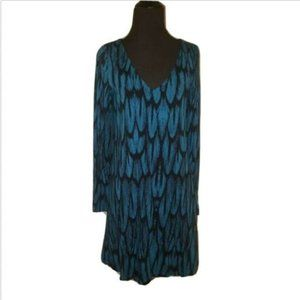 Feather Print Vneck Long Sleeve Shift Dress